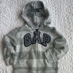 Gap logo front zip hoodie size 2T like new